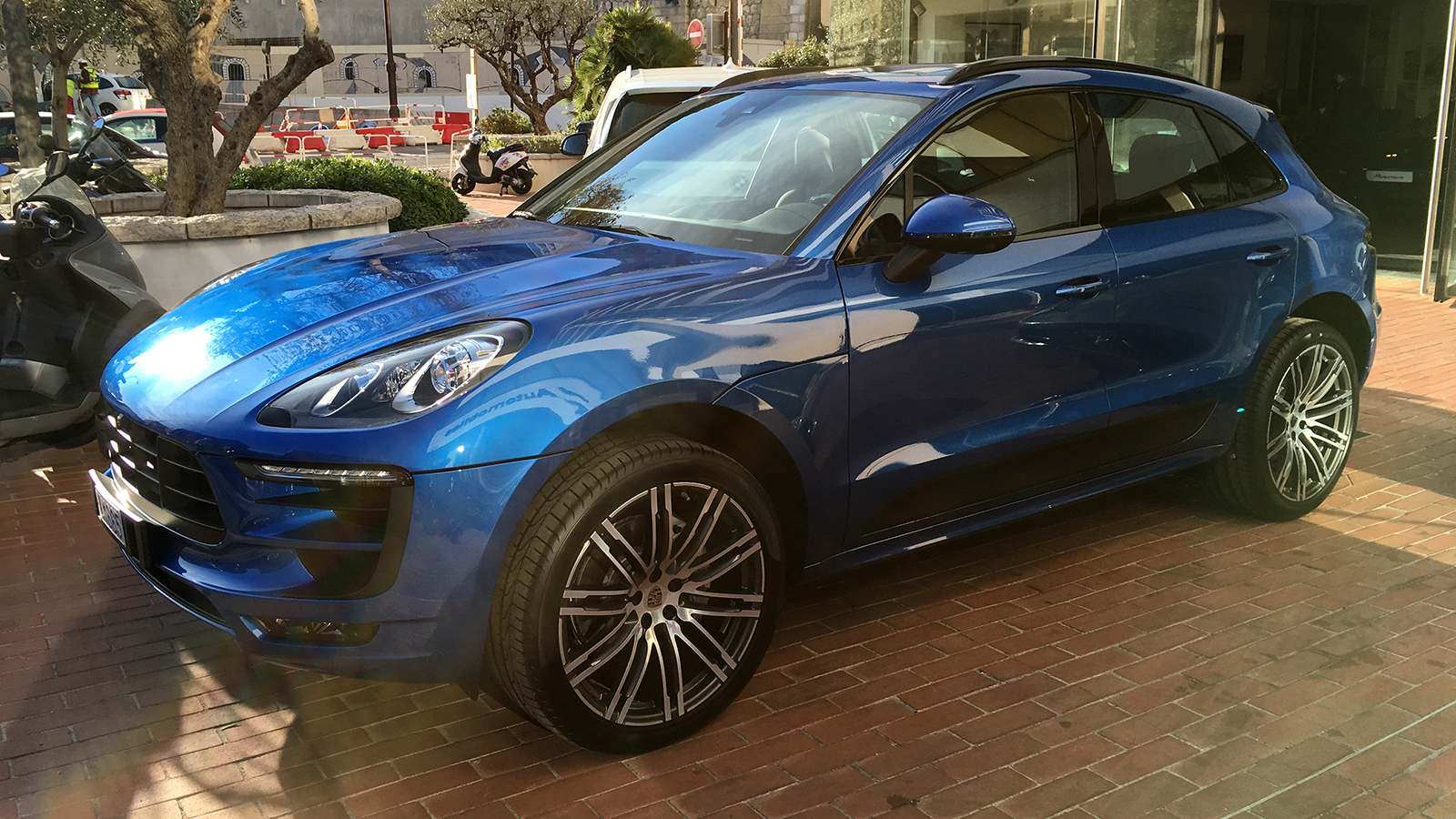 Macan-purchase-01