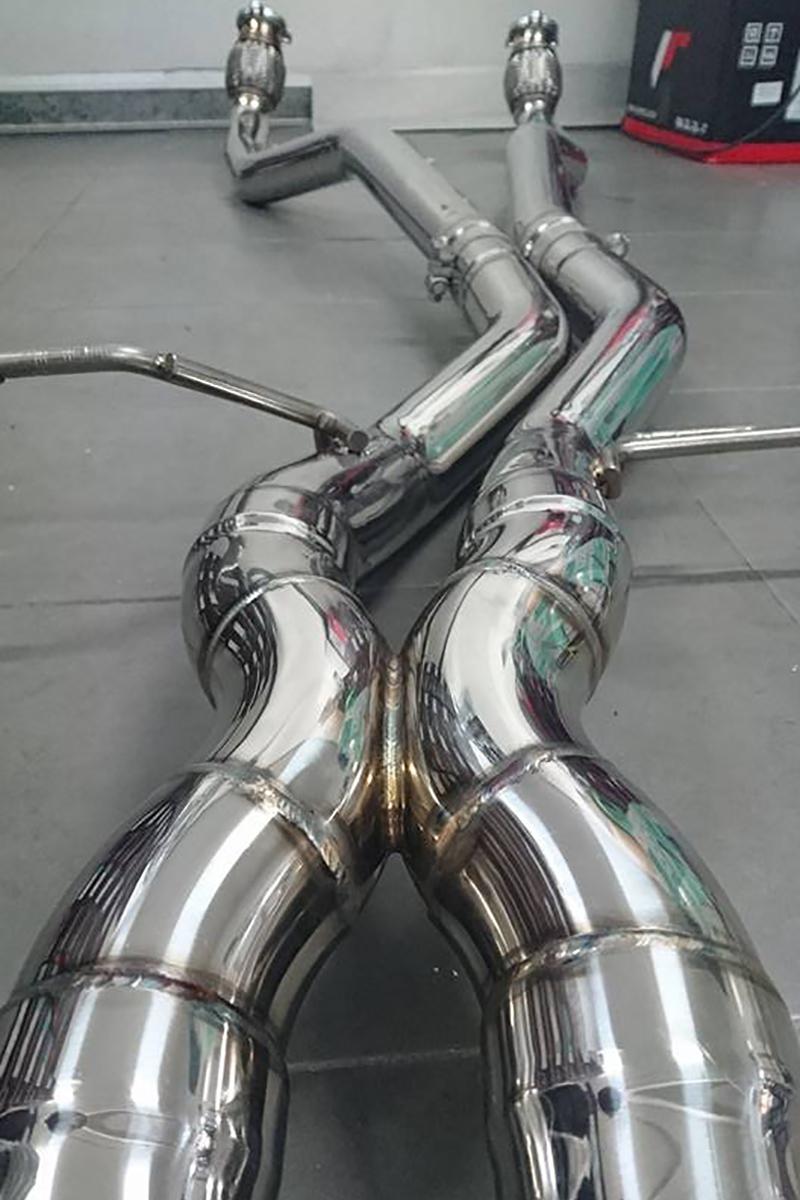 macan-exhaust-04